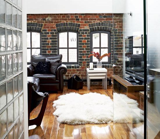 Применение стекла  для зонирования жилого пространства